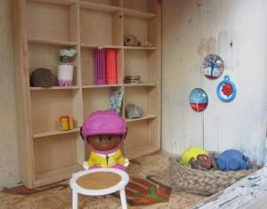 בית הבובות של יערה - הסלון